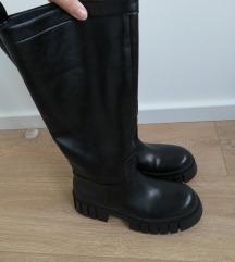 Zara crne cizme 38 (odgovara 39)