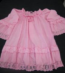 Pink pamučna bluza ukrašena čipkom