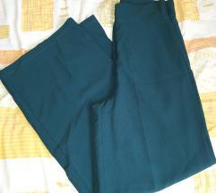 Nove zelene hlače s etiketom