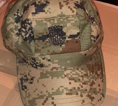 Nova vojna kapa i košulje
