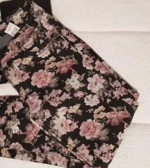 Cvjetne hlače terranova