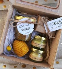%% Aroma Bee Gift Box 💛
