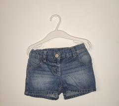 Next, kratke hlače,86