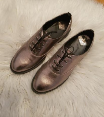Cipele 39 stradivarius NOVO!
