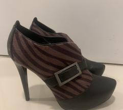 Ženske cipele na visoku petu