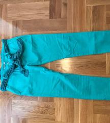 Facomina hlače