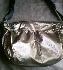 Novo,sjajna torba,podesiv oblik i remen