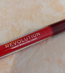 Revolution crveni ruž