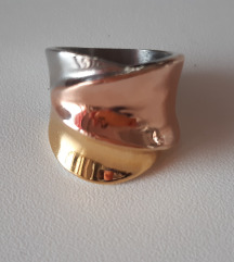 Novi trobojni prsten