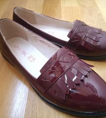 Lakirane cipelice
