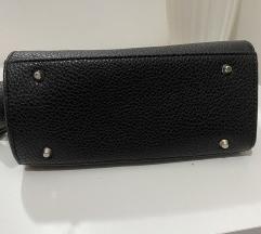 Crna mini torbica