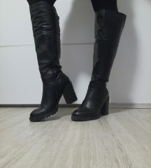 Kožne visoke čizme br.39