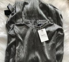 S ETIKETOM Bershka srebrna t-shirt haljina