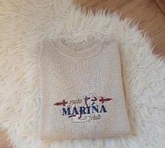Oversized krem pulover