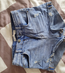 Zara kratke hlačice 32