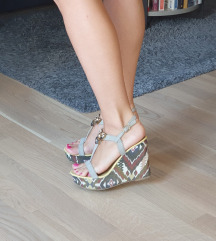 Nove sandale s punom petom
