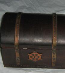 kutija drvena škrinjica