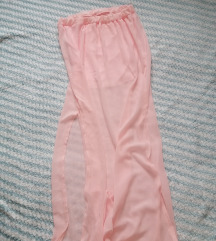 Duga roza suknja