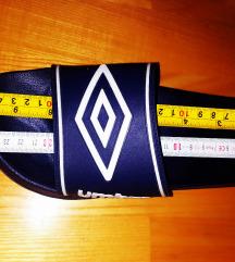Nove Umbro sandale 41