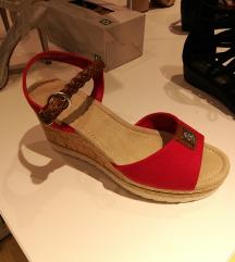 Sandale nove 50kn