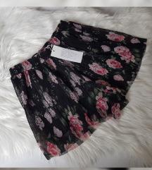 Nove plisirane hlače, Amisu