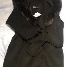 Zara crni kaput s krznom S 36
