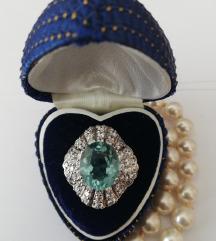 Vintage prsten s plavim topazom