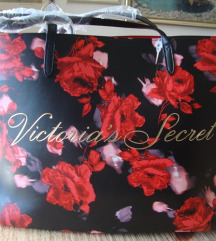 Sada 200 kn -Victoria's Secret ljetna torba