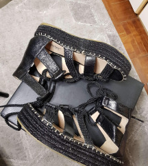 Nove sandale gladijatorice
