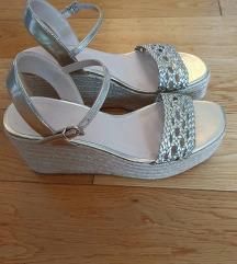 Nove Zara jutene sandale