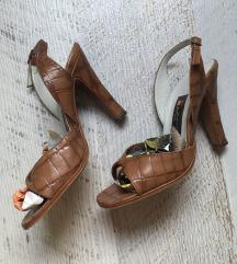 sandale boje konjaka