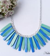 Ogrlica u nijansama plave boje