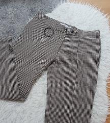 Sniženoo 70 kn! :) MANGO karirane crop hlače