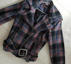 Karirani kratki kaput