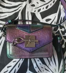 Zara mini torbica sa dugim remenom