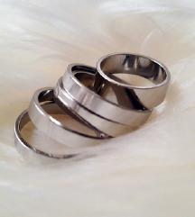 ZARA prstenje srebrne boje