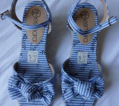 Nove sandale broj 38