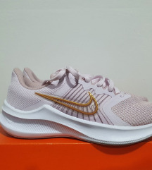 Tenisice Nike br 37,5