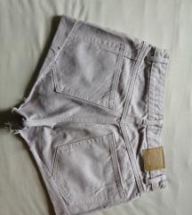 Kratke hlače, tisak uključen