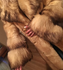 Prekrasna bogata krznom duga bunda M/L