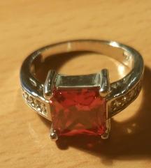Srebrni prsten sa crvenim cirkonom bespl dostava