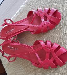 Ružičaste sandale