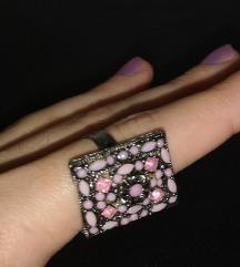 Rozi prsten