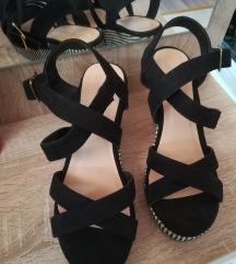 Predivne, nove sandale, 39