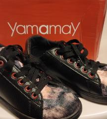 yamamay modne tenisice s plišanim uzorkom