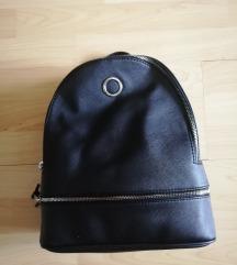 🆕 Crni ruksak sa etiketom
