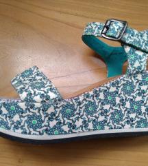 Esprit tirkizne sandale s uzorkom