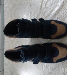 Čizme na punu petu Esprit, ko nove