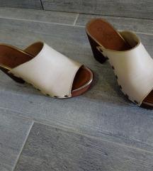 Cipela na petu