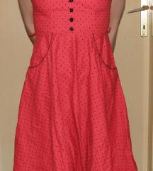 crvena haljina na crne točkice